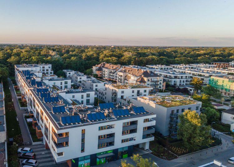 Kolektory słoneczne na dachu inwestycji Księże Nowe przy ul. Rybnickiej    Fot. Materiały prasowe